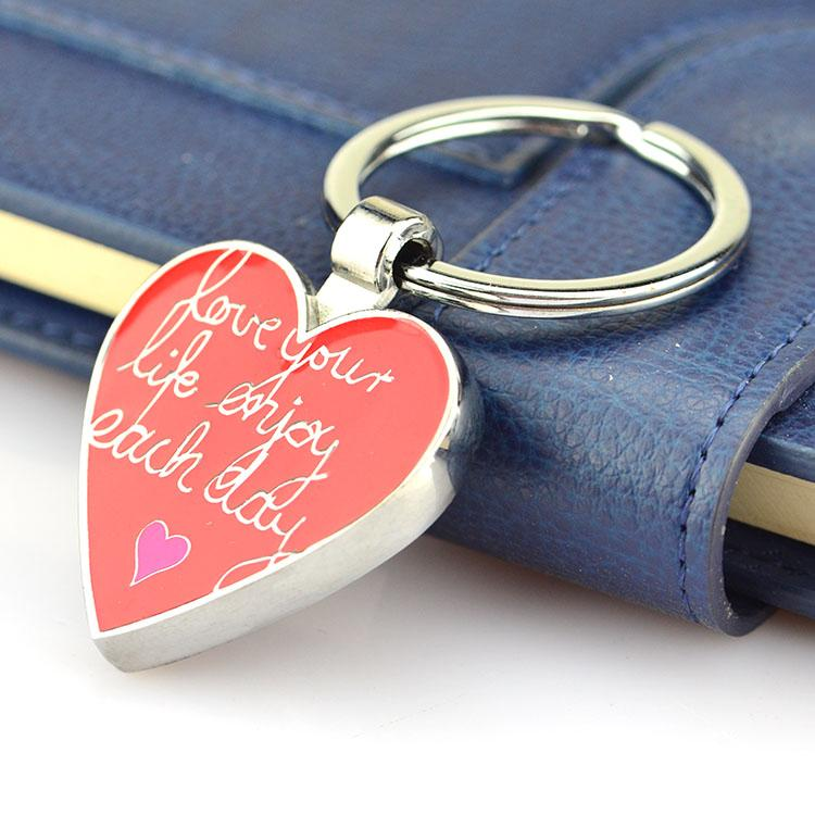 Promotion Cheap Custom Metal Heart Engraved Keychain