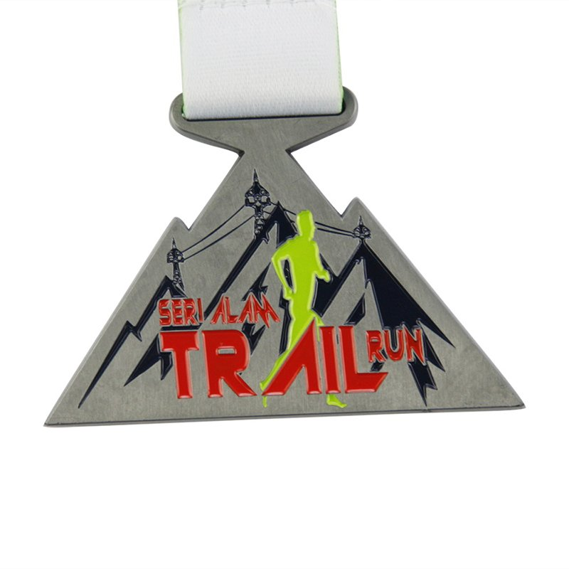 Cut Out Logo Enamel Running Medal Custom Cheap Sports Medals