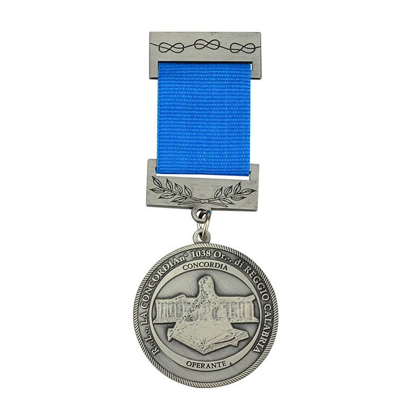 Army Achievement Medal Metal Military Medallion With Lanyard