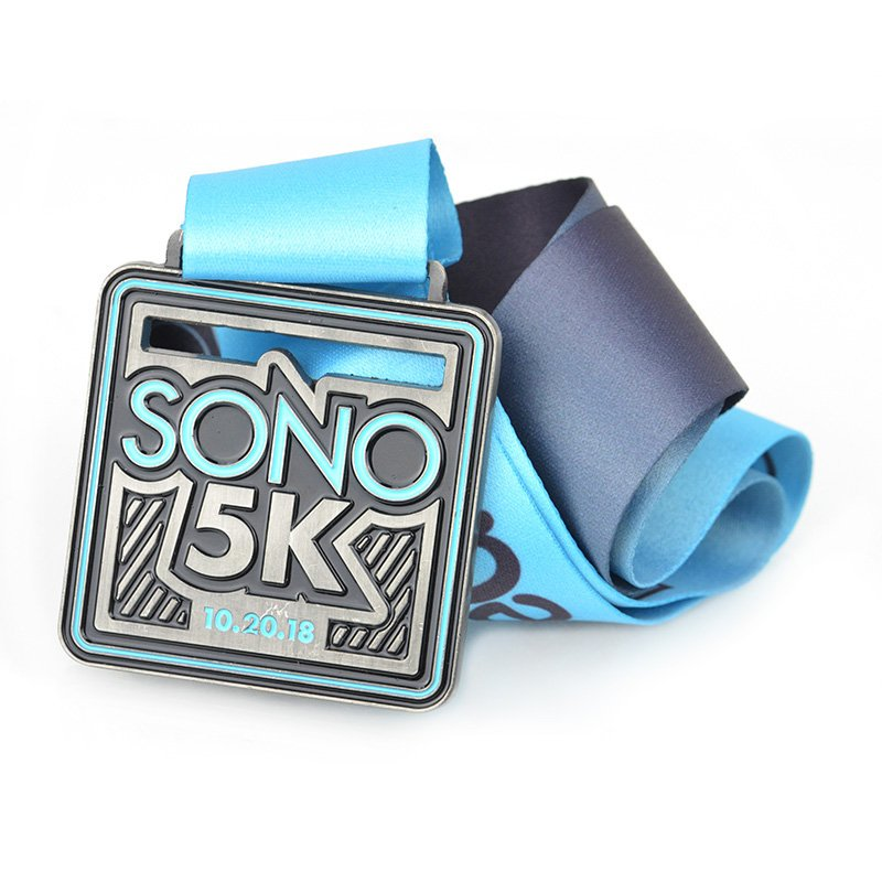 Running And Medals Metal Wholesale 5K Sports Medal With Lanyard